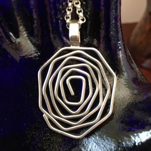 Jewelry - NWOT MEXICAN ROSE PENDANT